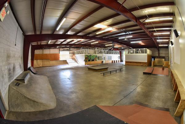 Tampa Indoor Skateboarding TF - The Boardr HQ Photo 1
