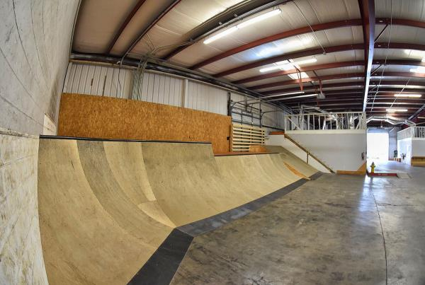 Tampa Indoor Skateboarding TF - The Boardr HQ Photo 5
