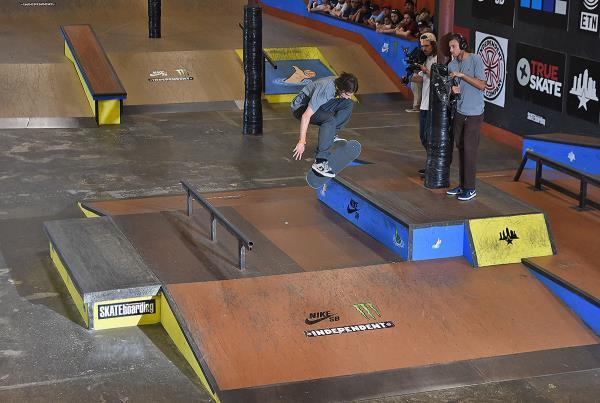 Tampa Pro 2017 Weekend - Alex 360 Flip