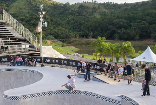 Vans Park Series Brazil - Front Feeble