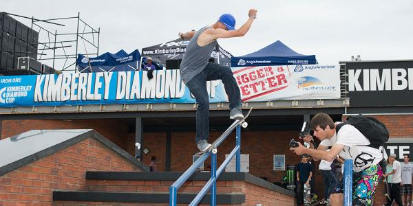 Six Figure Warm Ups at the Kimberley Diamond Cup 2013
