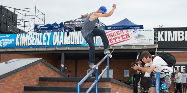 Six Figure Warm Ups at the Kimberley Diamond Cup 2013