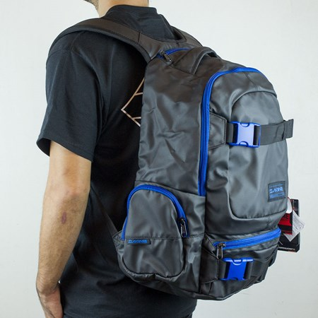 Dakine Daytripper Blackout Backpack Blackout