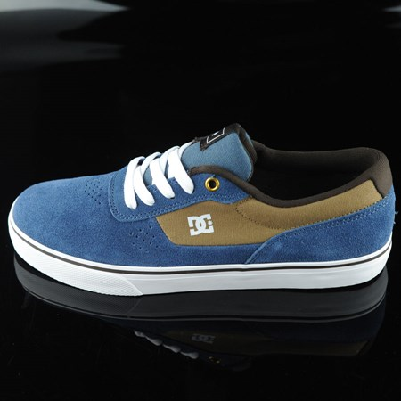Size 9 in DC Shoes Switch Shoes, Color: Navy, Camel