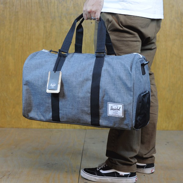 Herschel Novel Bag Charcoal Crosshatch