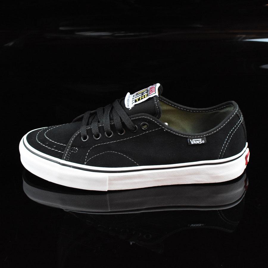 938204e57bdc73 Vans AV Classic Shoes Black
