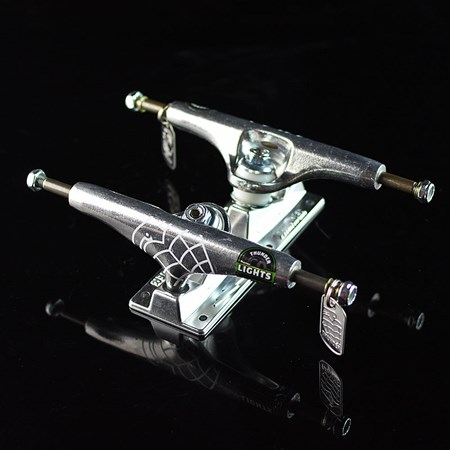 Thunder Trucks Light Trucks Polished Silver in stock now.