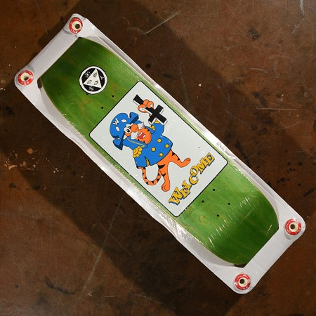Welcome Petrine Crunch On Atheme Deck With 44mm Wheels Assorted Stains