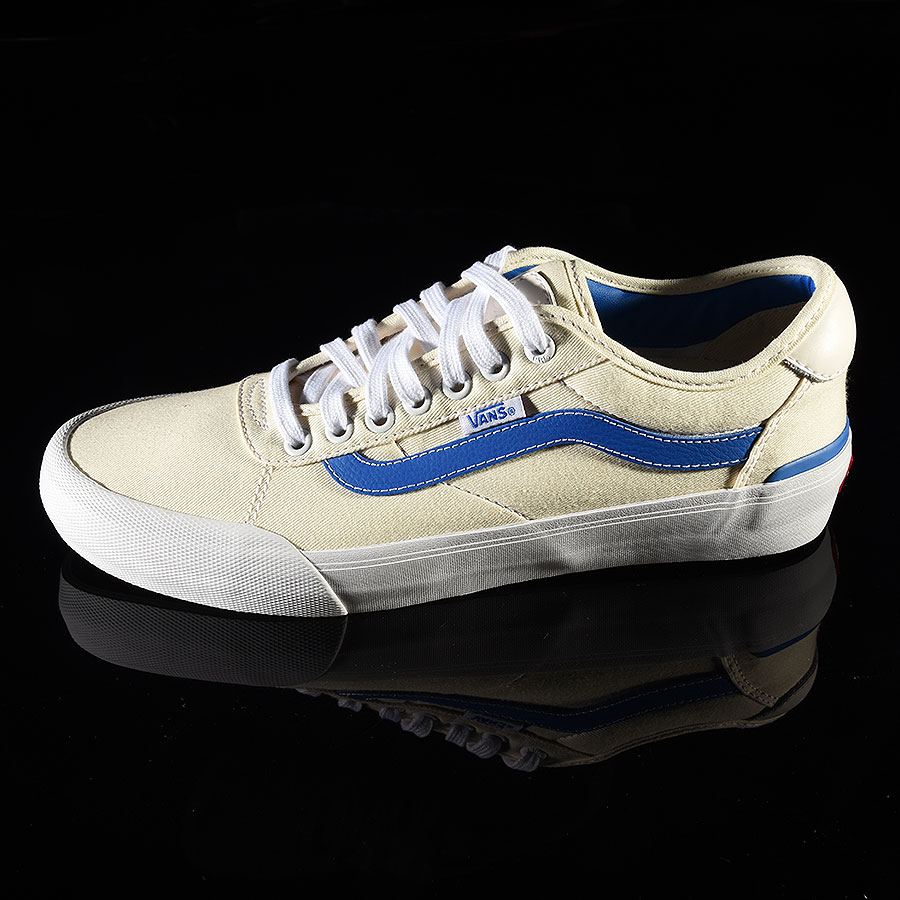 (Center Court) Classic White, Victoria Blue Shoes Chima Pro 2 Shoe in Stock Now