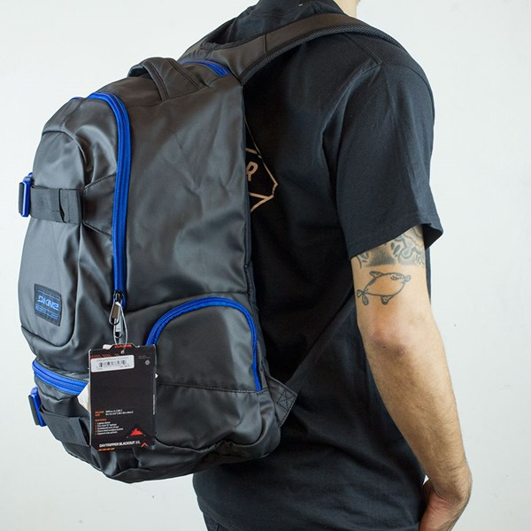 Dakine Daytripper Blackout Backpack Blackout From the other side.