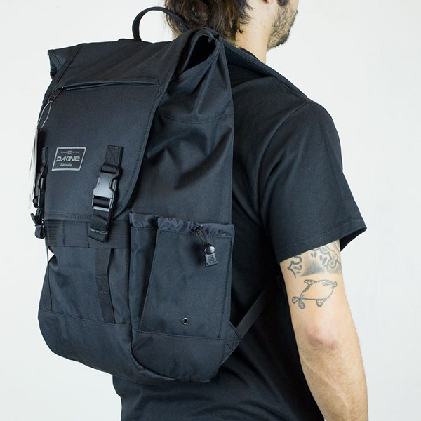Dakine Ledge Backpack Black From the other side.
