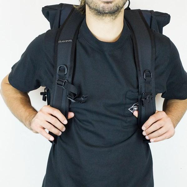 Dakine Ledge Backpack Black The straps.