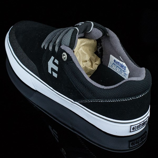 etnies Marana Vulc Shoes Black, Grey Rotate 7:30