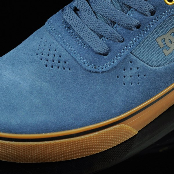 DC Shoes Switch Shoes Dark Denim, Gum Closeup