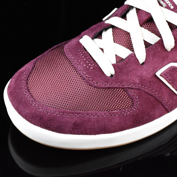 NB# Logan-S 636 Shoes Maroon, Cream Closeup