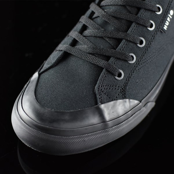 HUF Classic Lo Shoes Black, Black Closeup