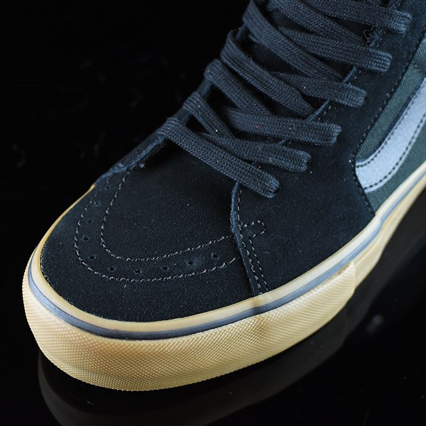 Vans Sk8-Hi Pro Shoes Black, Gum Closeup