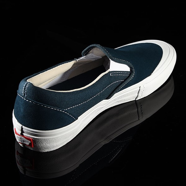 Vans Slip On Pro Shoes Reflecting Pond, Toe-Cap Rotate 1:30