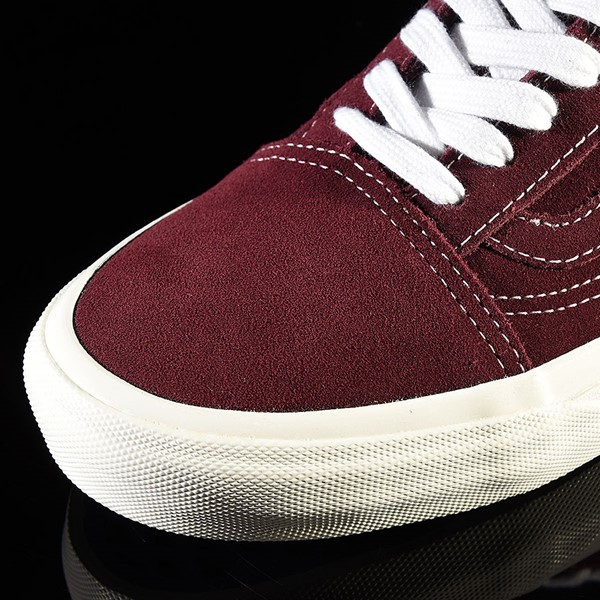 Vans Old Skool Pro Shoes Ray Barbee, Burgundy Closeup